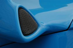 Porsche rear wing intake scoop