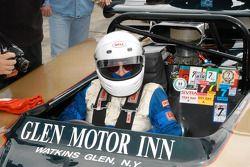 Vic Franzese dans sa McLaren M12 1968