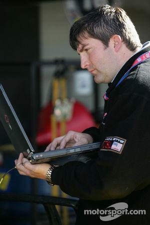 Membres du Corvette Racing au travail