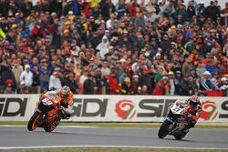 Nicky Hayden, Repsol Honda; Casey Stoner, LCR Honda