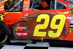 Victory lane: marks on the winning car