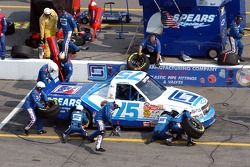 Pitstop for Aric Almirola
