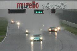 Départ : la Vitaphone Racing Team Maserati MC 12 GT1 #1 : Michael Bartels, Andrea Bertolini prend la