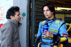 Nelson A. Piquet parle avec son père Nelson Piquet