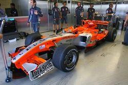 Spyker MF1 Racing garajı area