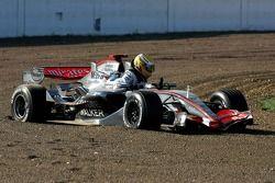 Unfall: Lewis Hamilton, McLaren