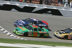 J.J. Yeley et Clint Bowyer