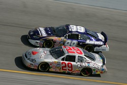 Kevin Harvick et Michael Waltrip