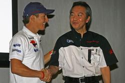 Nicky Hayden, Repsol Honda Team, mit Suguru Kanazawa
