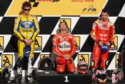 Podium: Sieger Loris Capirossi, 2. Valentino Rossi, 3. Marco Melandri