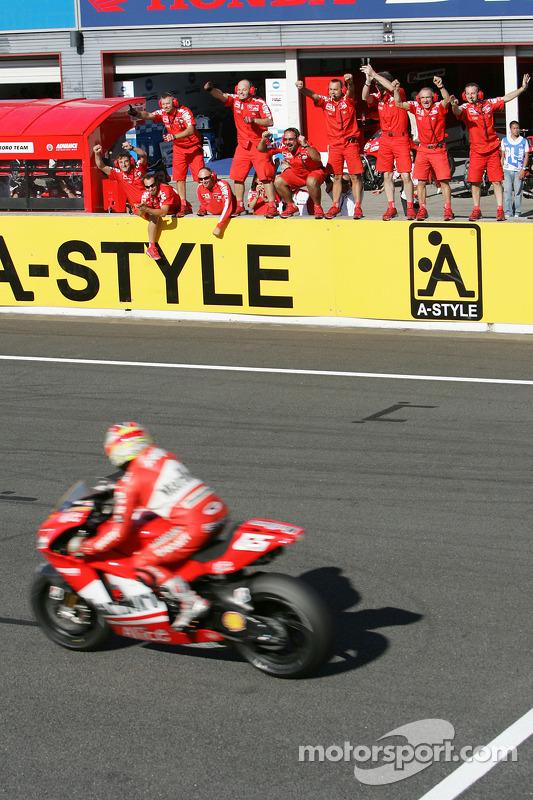 #6 - Loris Capirossi - GP de Japón 2006