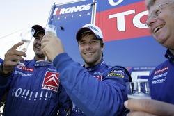 Winners Sébastien Loeb celebra