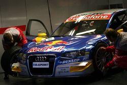 Membres de l'équipe Audi Sport Team Abt Sportsline au travail