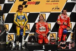 Podium: 1. Loris Capirossi, 2. Valentino Rossi, 3. Marco Melandri