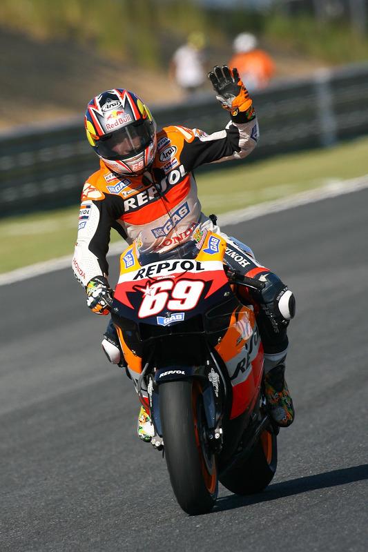 2006: Repsol Honda, campeão (252 pts), 2 vitórias, 10 pódios, 17 corridas