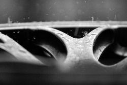 Gouttes de pluie sur la roue de la Porsche RS Spyder du Penske Motorsports
