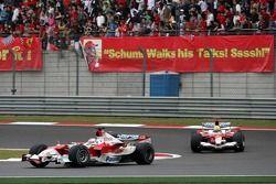 Jarno Trulli lidera a Ralf Schumacher