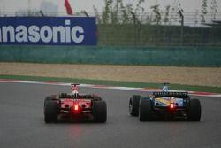 Michael Schumacher dépasse Fernando Alonso