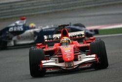 Felipe Massa mène devant Mark Webber
