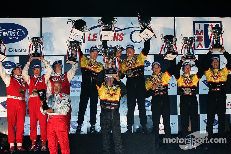 Podium LMP2 : vainqueurs de classe Sascha Maassen, Timo Bernhard et Emmanuel Collard, Lucas Luhr, Romain Dumas et Mike Rockenfeller (2e), et Fredy Lienhard, Didier Theys et Eric van de Poele
