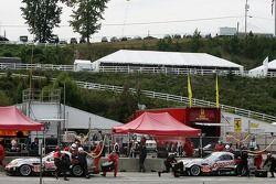 Arrêt aux stands pour la Panoz Esperante GTLM #51 Multimatic Motorsports Team Panoz : Gunnar Jeannet