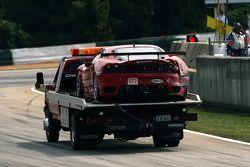 Crash pour la Ferrari 430 GT Berlinetta #62 Risi Competizione : Stéphane Ortelli, Ralf Kelleners, Ma