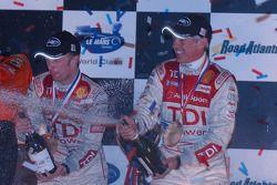 Champagne pour Allan McNish et Rinaldo Capello