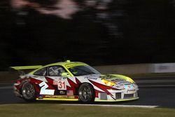 Petersen/White Lightning Porsche 911 GT3 RSR : Jorg Bergmeister, Nic Jonsson, Patrick Long