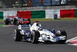 Nick Heidfeld devant Kimi Raikkonen