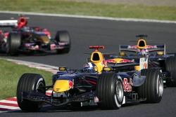 David Coulthard devant Robert Doornbos