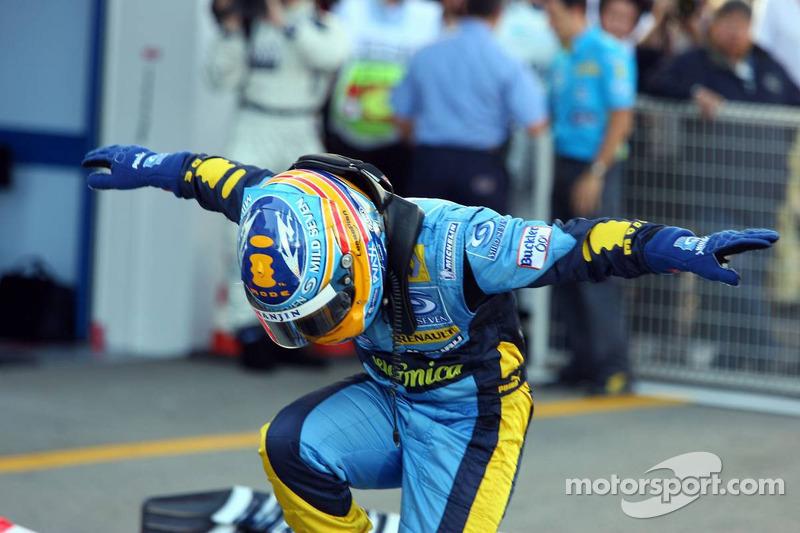Alonso ganó en Japón dos veces (una en Suzuka en 2006 y otra en Fuji en 2008). La primera de ellas llegó tras un histórico abandono de Schumacher, cuyo motor Ferrari se rompió por primera vez en años. Fue un golpe importante del asturiano a su segundo mundial.