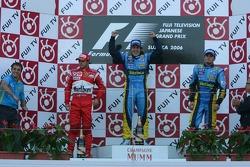 Podium: le vainqueur Fernando Alonso avec Felipe Massa et Giancarlo Fisichella