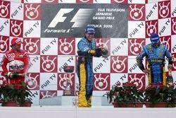 Podium: champagne pour Fernando Alonso, Felipe Massa et Giancarlo Fisichella
