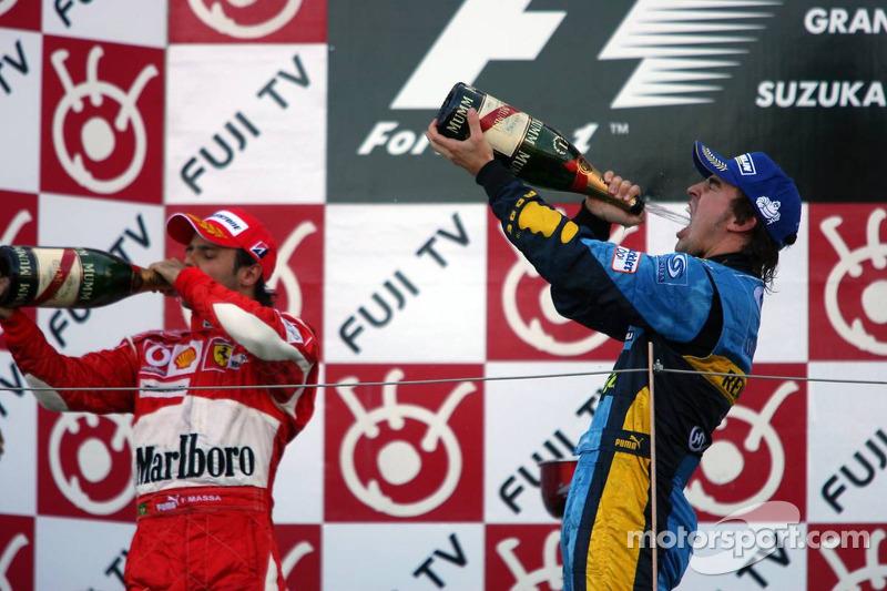Podio: champagne para Fernando Alonso y Felipe Massa