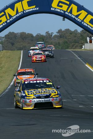 Lowndes in the lead