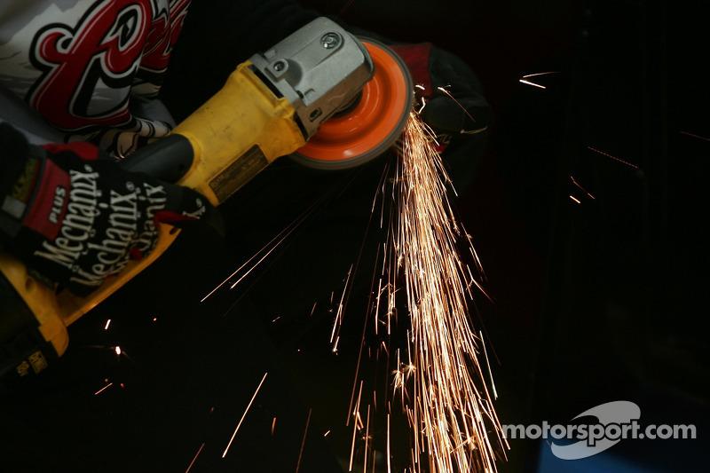 NASCAR, Charlotte 2006: Mechaniker von Chip Ganassi Racing