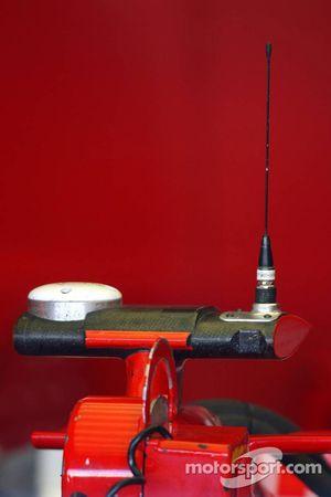 La Ferrari de Michael Schumacher avec une antenne