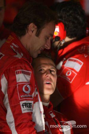 Michael Schumacher y Luca Badoer