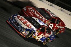 Mark Martin y Dale Earnhardt Jr.
