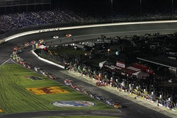 The field rushes onto pit road