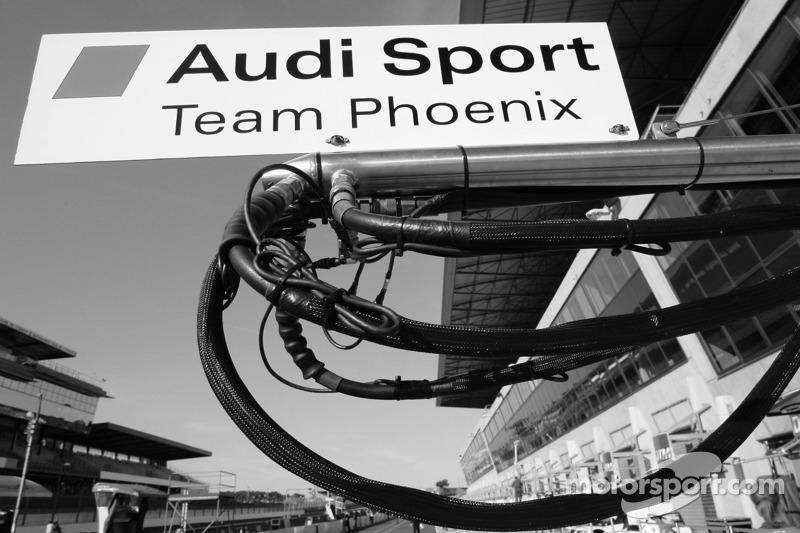Zone des stands du team Audi Sport Phoenix
