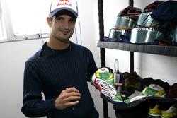 Vitantonio Liuzzi with his racing shoes in new design