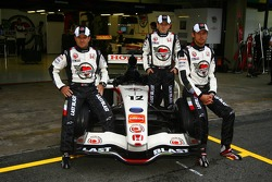 Honda Racing F1 photoshoot: Jenson Button, Anthony Davidson and Rubens Barrichello with special Luc