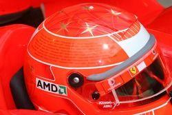 Casco de Michael Schumacher con todas sus victorias en ambos lados