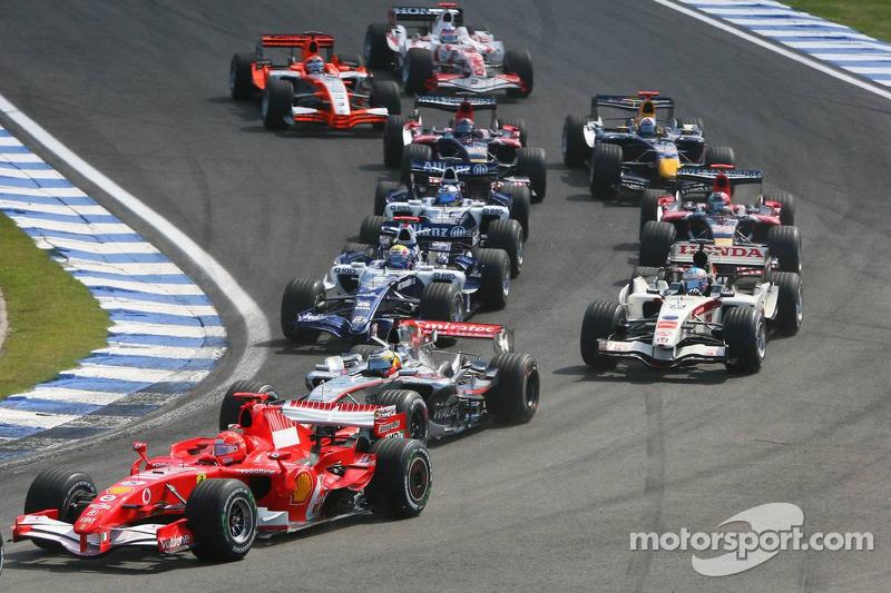 Départ : Michael Schumacher et Pedro de la Rosa