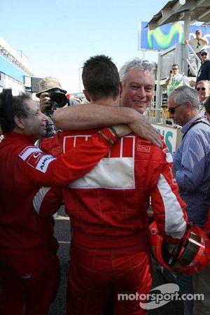 Michael Schumacher with Pat Symonds