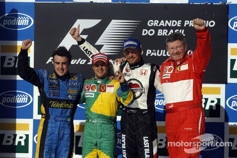 2006. Інтерлагос. Подіум: 1. Феліпе Масса, Ferrari. 2. Фернандо Алонсо, Renault. 3. Дженсон Баттон, Honda
