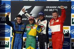 Podium: winnaar Felipe Massa, wereldkampioen Fernando Alonso, Jenson Button en Ross Brawn
