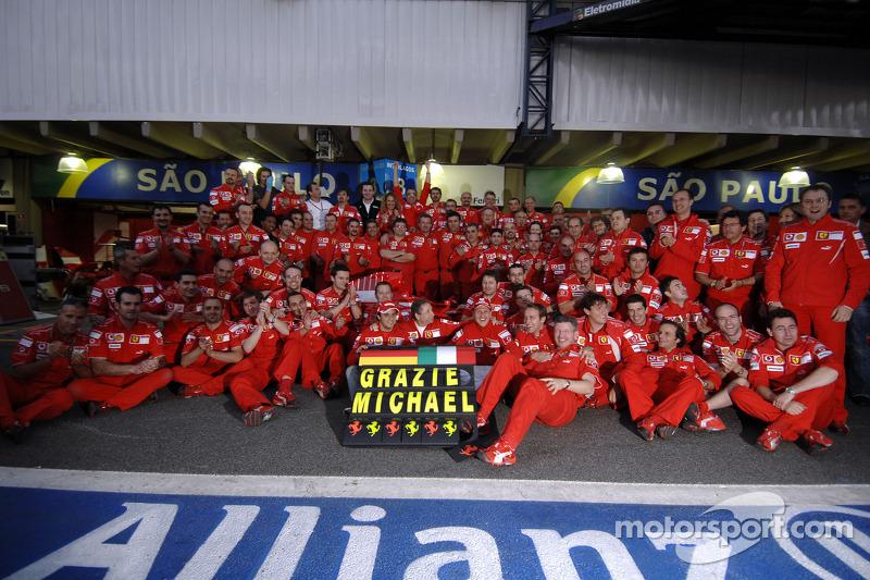 Feierstunde: Ferrari verabschiedet Schumi