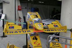 Nez de la voiture de Pastor Maldonado